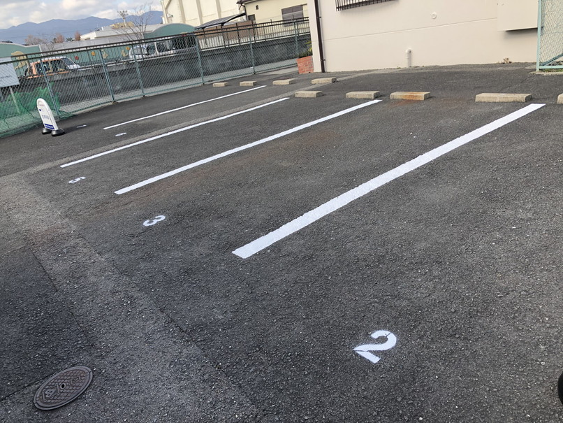 ガレージ区画ライン塗装